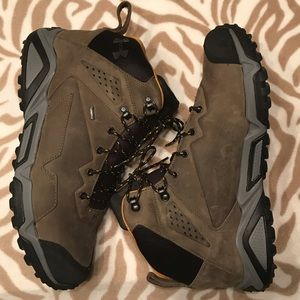 Under Armour Tabor Ridge Leather Gore-Tex Boots